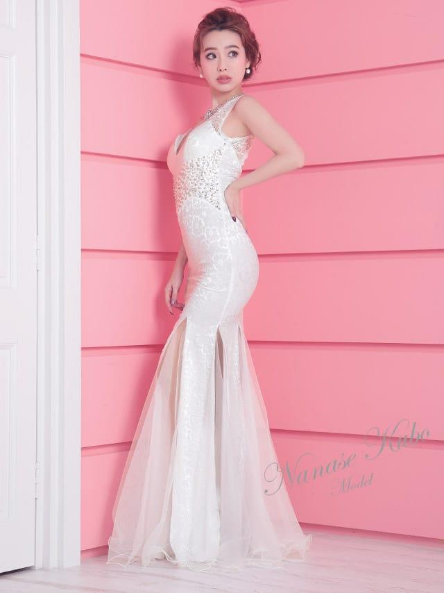 キャバ 嬢 白 ドレス
